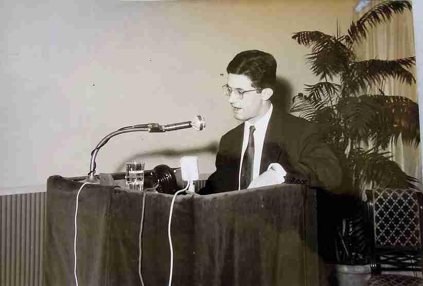 Biagio Morelli a un convegno a Parma nel 1965